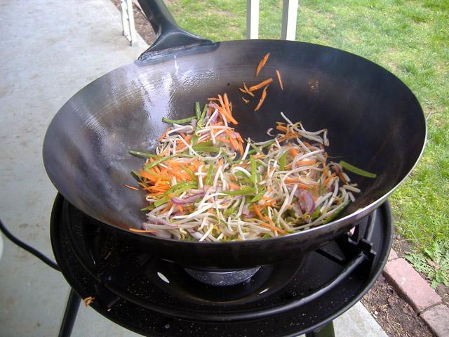 Stir_fry_cooking_1_2