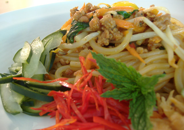 Thai_bolognese_plated_close_1