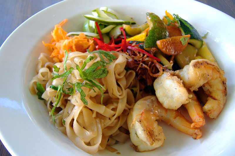 Thai_shrimp_meez_plated_2_1